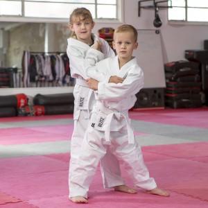 http://www.budostore.cz/3036-thickbox/blitz-sport-polycotton-lightweight-10oz-judo-suit.jpg